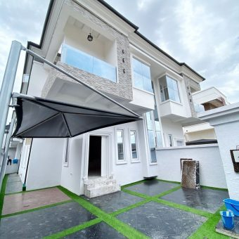 4 Bedroom Terrace House With Attached Bq in a Block of 5 Units For Sale