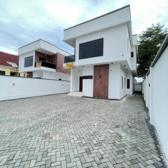 5 BEDROOM FULLY DETACHED DUPLEX WITH 2 BQs FOR SALE